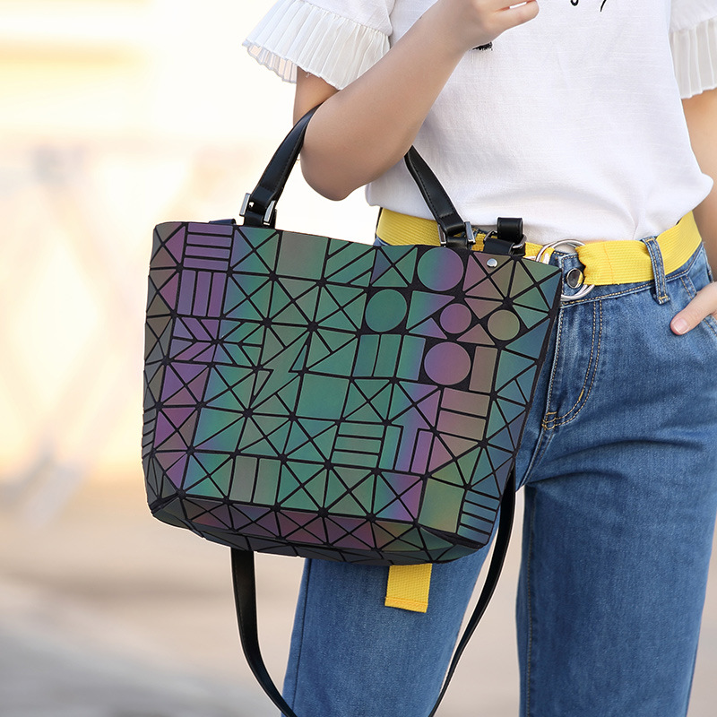 Famous Brands Women Bucket Bag Geometic Sequins Mirror Laser Plain Folding Bags Luminous Handbags PU Casual Tote Bao Package цена