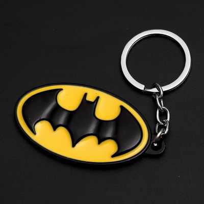 1 قطعة لعب عملية المعادن الأحمر الأصفر الحديد رجل الجمجمة المفاتيح قناع المفاتيح لعب باتمان كيرينغ مفتاح دمى هدايا