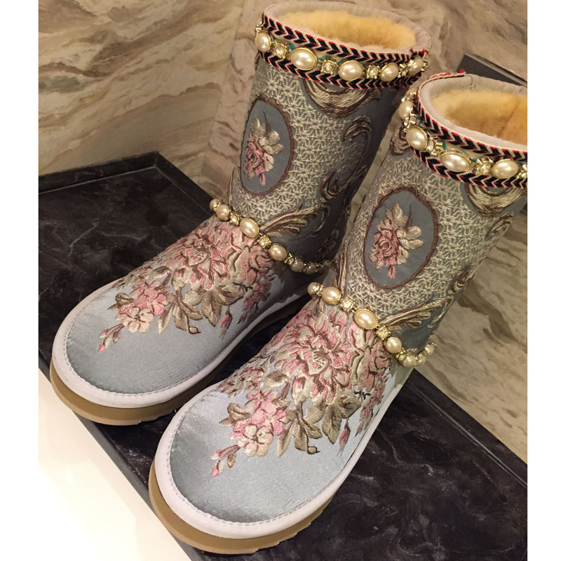 2018 Autumn and Winter new floral Embroider crystal rhinestone pearl wool fur snow boots women winter warm flat shoes half boots sweet rhinestone and faux pearl embellished floral double layered bracelet for women
