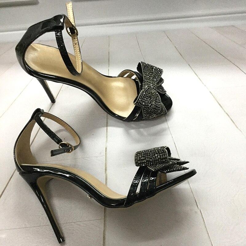 Брендовые модные дизайнерские сандалии на высоком каблуке, сандалии с ремешком на щиколотке, украшенные кристаллами и бантом, вечернее жен