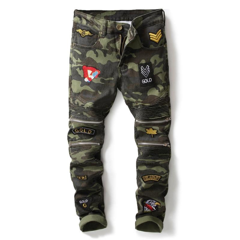 New designer camouflage military jeans men slim fit patchwork badges zipper moto biker denim pants pleated stretch mens trousers new fashion brand designer men s denim mens jeans slim fit men biker jeans trousers straight leg dark blue jean pants
