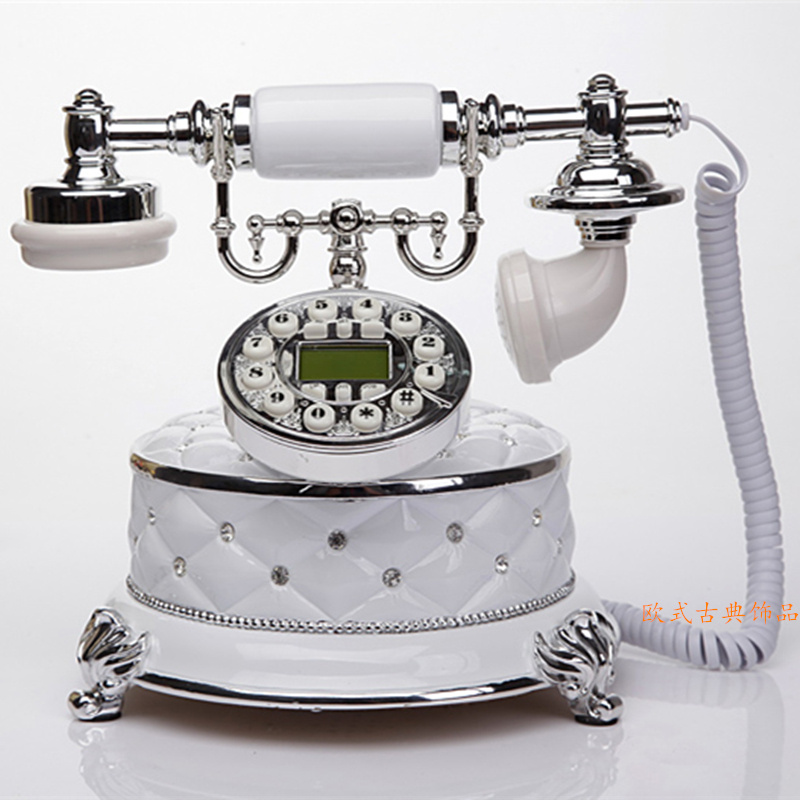 The new European antique landline household retro fashion telephone Decoration home art rustic household corded phone Caller