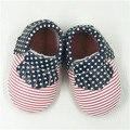 100% del Cuero Genuino de Primera Walkers EE. UU. Bandera Bebé mocasines zapatos Franja franja niños únicos Zapatos rojos de fondo Envío gratis