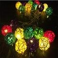 Смешанный Цвет 20 привело Ротанга Мячи Строка Light Сказочных Огней патио Свадьба Свет Украшения для Партии Праздник Использовать С Батареей коробка