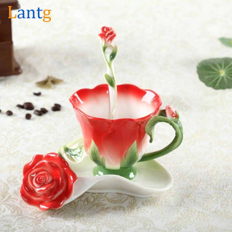 3D Rose Enamel Kaffekrok Te Milk Cup Set Med Skje og Skål Creative Ceramic European Bone Kina Drinkware Marriage Gift