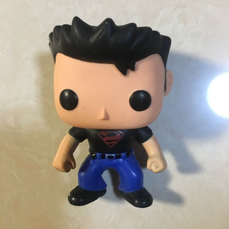 Original Secondhand imperfect Funko pop Heroes: Superboy Superman Vinyl Action Figure Collectible Model Loose Toy Cheap No box