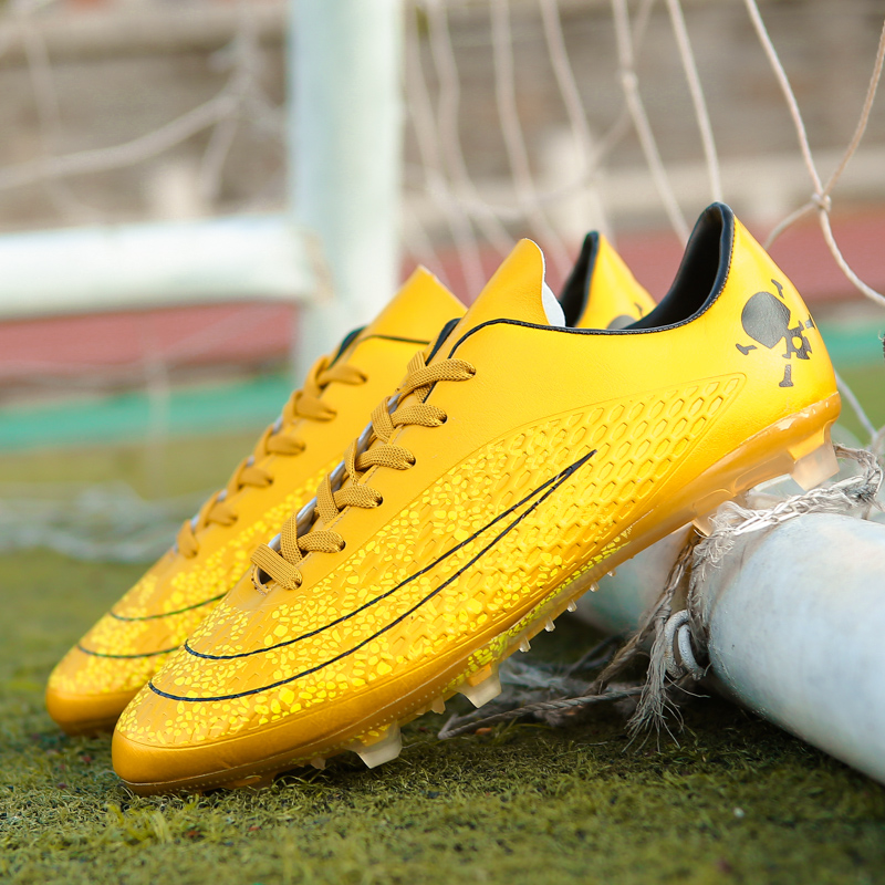 5eff04c265a נעלי ספורט Men Soccer Shoes Sport Ronaldo Breathable Women Spikes  Professional Kids Boys Superfly Cleats CR7 TF AG FG Football Sneakers