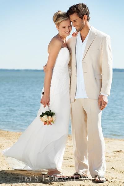 vestido de novio para boda en la playa