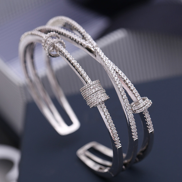 Mocai Fashion Design Cross Activity Small Circle Open Bangles For Women Bracelet Jewelry ZK40