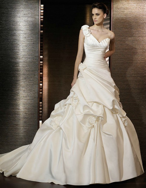 Vintage One Shoulder Flowers A Line Wedding Dress 2016 Sweetheart Vestido De Noiva Satin Ruched Court Train Wedding Gowns in Wedding Dresses from Weddings Events