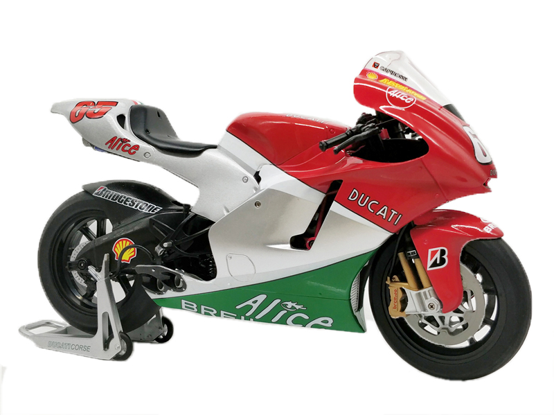 1:9 ITALERI Diecast Model Motorcycle Ducati Desmosedici Mugello MotoGP #65 L.Capirossi Racing when tamiya model motorcycle ducati ducati 1199 1 12 panigle s 14129 model buiding kits