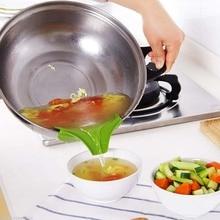Anti-spill Silicone Slip On Pour Soup Spout Funnel for Pots Pans Bowls Jars Round Mouth Edge Diverter  Kitchen Gadget Tool