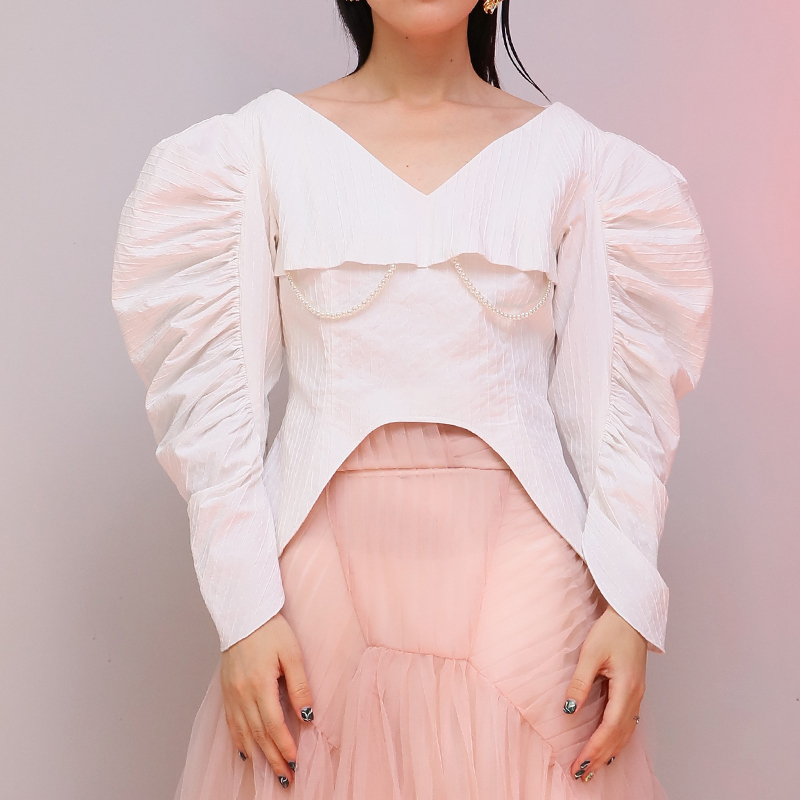 Pearls Shirt Female V Neck Ruched Puff Sleeve Irregular White Short Blouse 2019 Spring Fashion Vintage