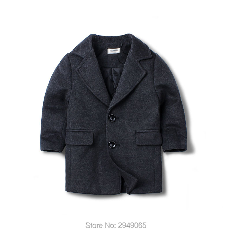 Boys winter sweater is a long jacket for the 2017 childrens new suitBoys winter sweater is a long jacket for the 2017 childrens new suit