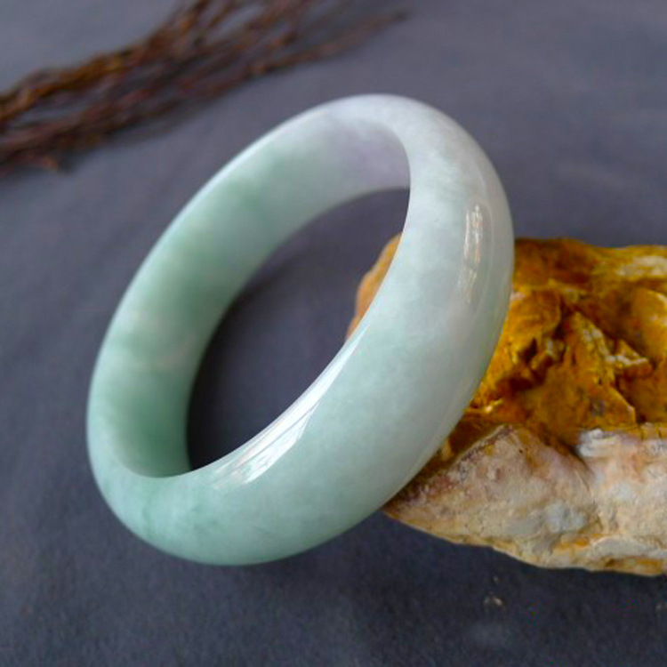 Grade A Burmese jadeite/double color female style bracelet Sent mother sent sisters The best gift to send his girlfriend