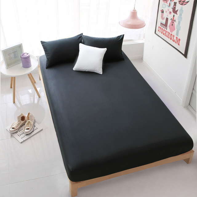 black fitted sheet