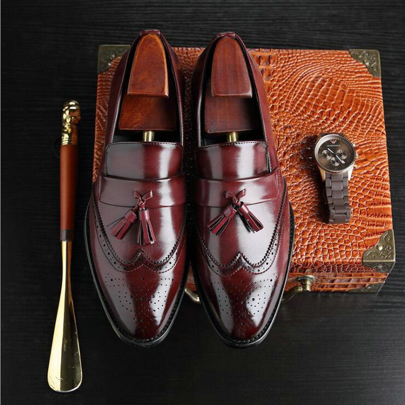 New Autumn Fashion High Quality Men's Brogue Flats Retro Carved Loafers Dress Business Men Casual Tassels Leather Shoes 2019
