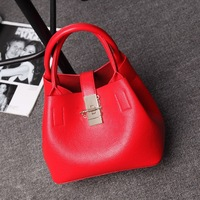 In 2017 The New Spring And Summer Color Bucket Leisure Fashion Leather Handbag Leather Shoulder Bag