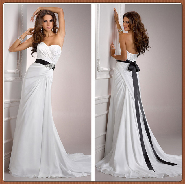 a4c4c7a7b8 Chinese Online Store 2015 Strapless Pleated Chiffon With Satin Belt Black  And White Beach Wedding Dress