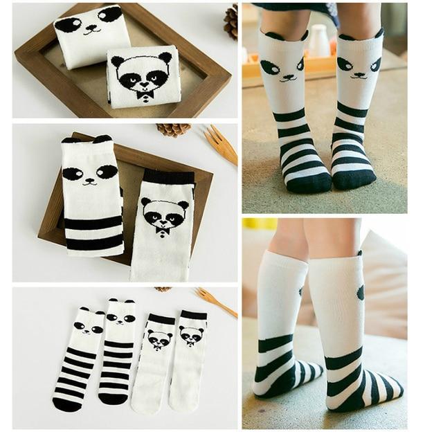 Los niños de dibujos animados lindo oso Panda rodilla alta ...