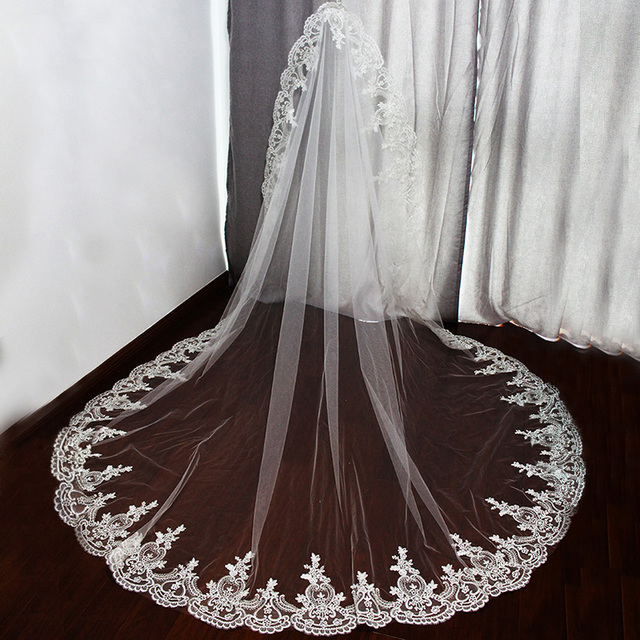 2017 Real Photos One Layer Lace Edge Long Wedding Veil High Quality Beautiful Bridal Veil with Comb Voile Mariage