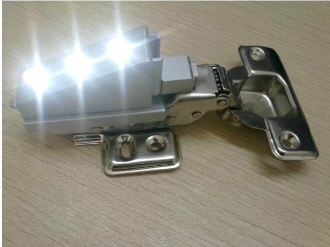 FREE SHIPPING 2 X Cabinet Hardware Hinges with LED Hydraulic buffering  Hinge self close FULL OVERLAY