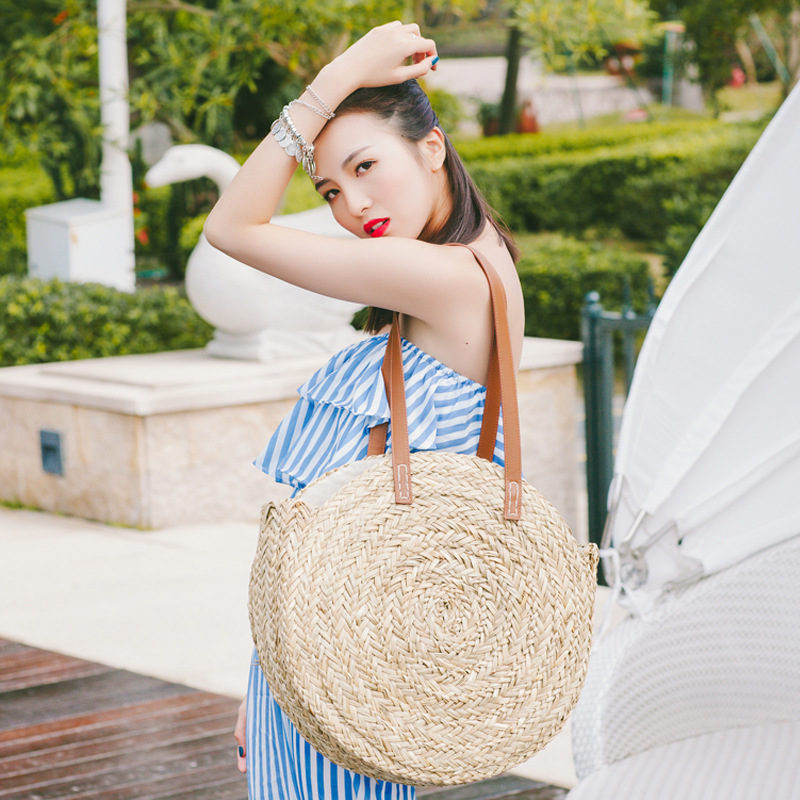 2018 New Natural hand-woven big straw bag round popularity straw Women Shoulder Bag beach holiday bag Ladies Tote large handbag straw bag women beach bag hand made woven circular shoulder handbag messenger bags 2016 new cute fruit travel pineapple purse