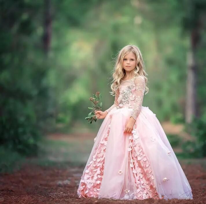 Princess 2017 Lace Flower Girls Dresses For Weddings Long Sleeve Appliques Beaded Jewel Neckline Floor Length Girls Pageant Gown цены
