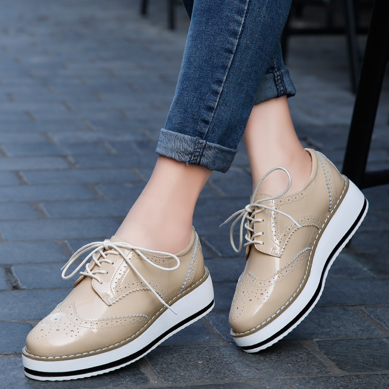 Mudiber Women Platform Oxfords Brogue Patent Leather Flats Lace Up Shoes Pointed Toe Creepers Vintage luxury beige wine Black qmn women genuine leather platform flats women lace cut glossy leather square toe brogue shoes woman lace up leisure shoes 34 39