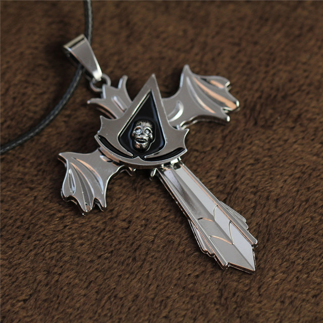 Assassins Creed Skull Pendant & Necklace Wing Cross Turnable