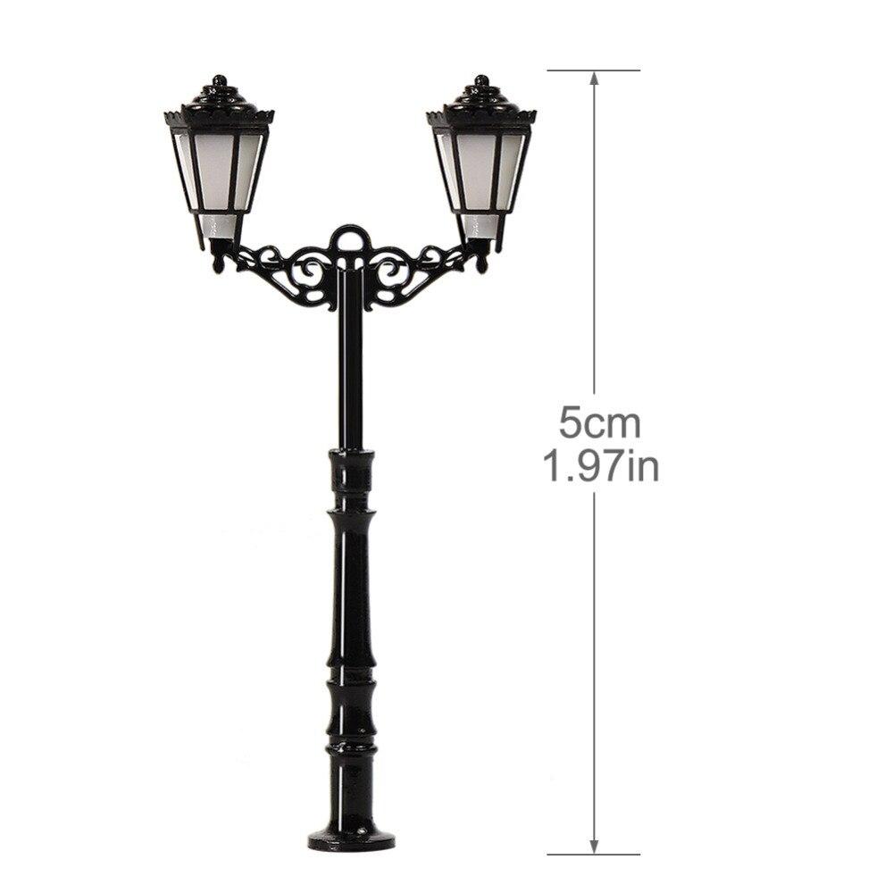 20pcs 1//150 Model Layout Double Head Street Lights Lamppost