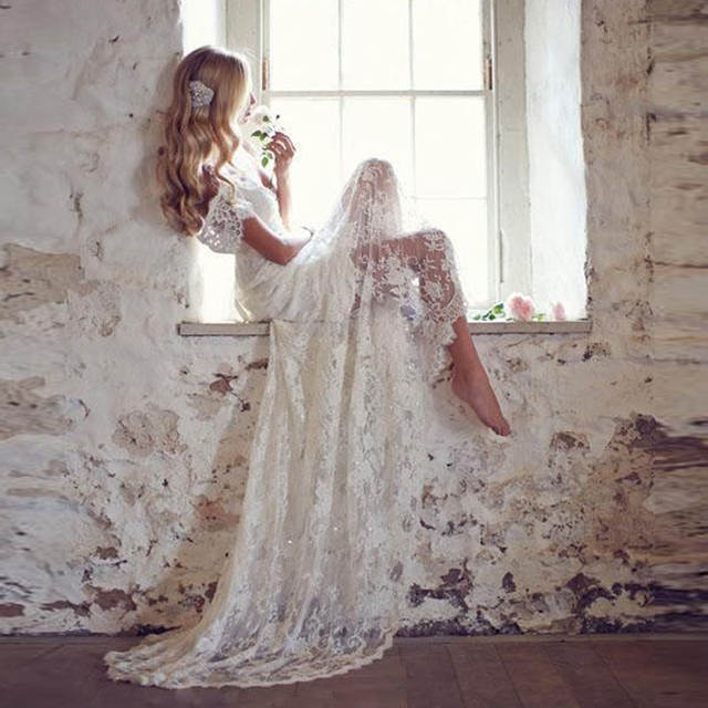 Romantic Lace White Boho Wedding Dress Bohemian Beach Wedding Gown
