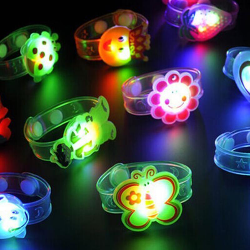 Crianças brinquedo piscando luz led pulseira ajustável brilhante pulseira festa presente
