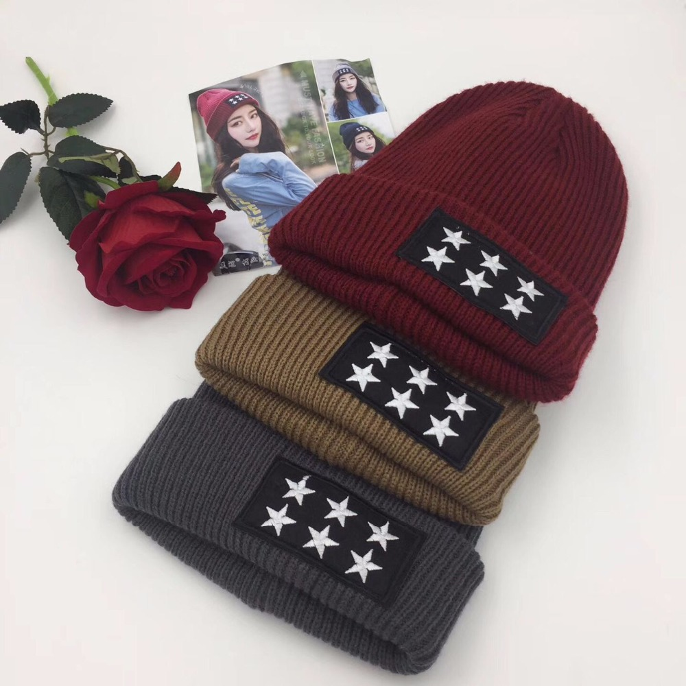 2017 New winter women's hooded with, star flag five-pointed star pattern, autumn and winter cap cap ear hat warm red black wool the new children s cubs hat qiu dong with cartoon animals knitting wool cap and pile
