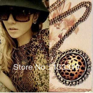 Wholesale Retro Classic Leopard Love Heart Long Necklace ,Leopard Round Sweater Chain  New style