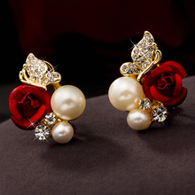 2019 Trendy Rose Flower Earrings Exquisite Design Red Rose Stud Gorgeous Crystal Rhinestone Pearl Gold Stud Earring for Women