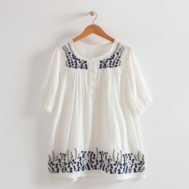 Lady China vintage little floral embroidery round neck short sleeves wide  sweep blouse girl cozzy cotton