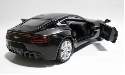 2015 AstonMartin ONE-77  1:32 Alloy Diecast Car Model Toy Collection With Sound & Light Black B1919 military modern wars diecast boeing ah 64 apache helicopter gunships can shoot alloy pull back toy with light