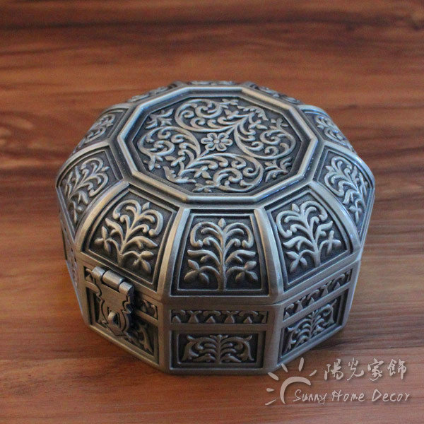 Vintage Home Decor Metal Jewelry Box Antique Flower Carved Trinket