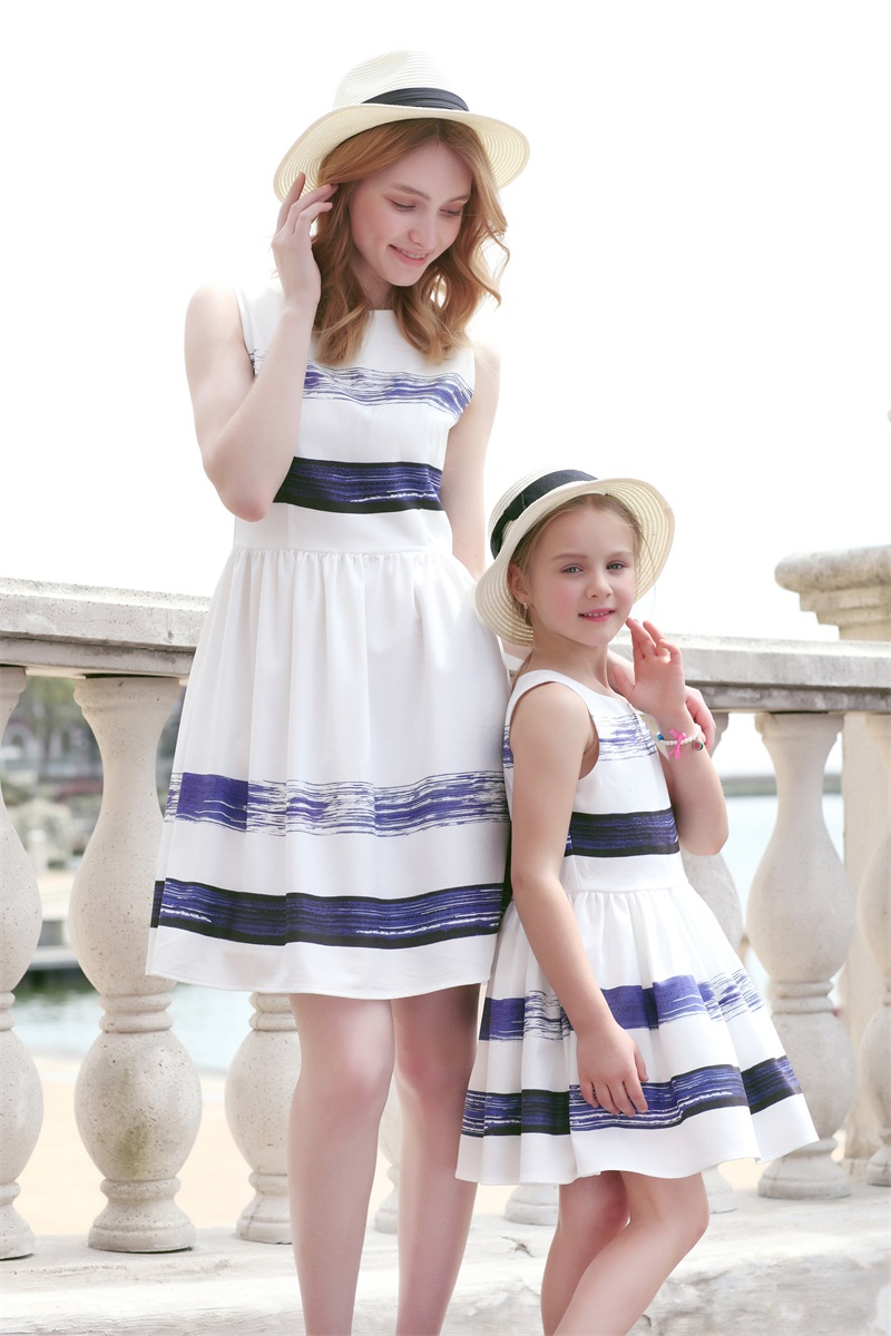 Summer family look children girl 4-14T pleated dress kids girls striped sundress mother and daughter women fashion beach dresses