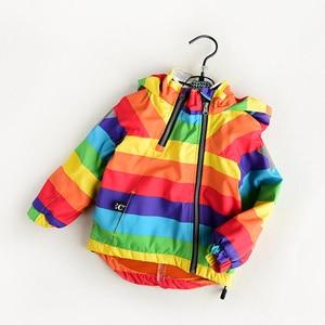 Image 4 - Куртка для мальчиков и девочек KISBINI, утепленная флисовая ветровка в радужную полоску, с капюшоном, на осень и зиму, для девочек, в наличии размеры от 2 до 8 лет