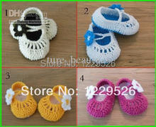 Factory Sale Classic baby crochet shoes with flower newborn shoes/toddler shoes Cheap 10 pairs/lot