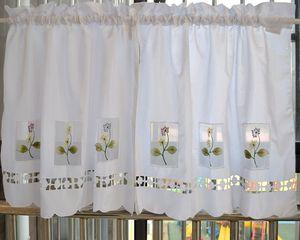 Утонченная газовая занавеска в рустикальном стиле с мелким цветком и сеточкой, полузатемненная кухонная занавеска
