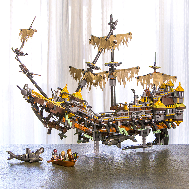 Lepin 16042 Movies Series The Slient Mary Set 2344Pcs Pirates of the Caribbean legoINGy 71042 Building Blocks Bricks Toys Gifts lepin 16042 2344pcs pirate of the caribbean ship slient mary children educational building blocks bricks compatible 71042 toys