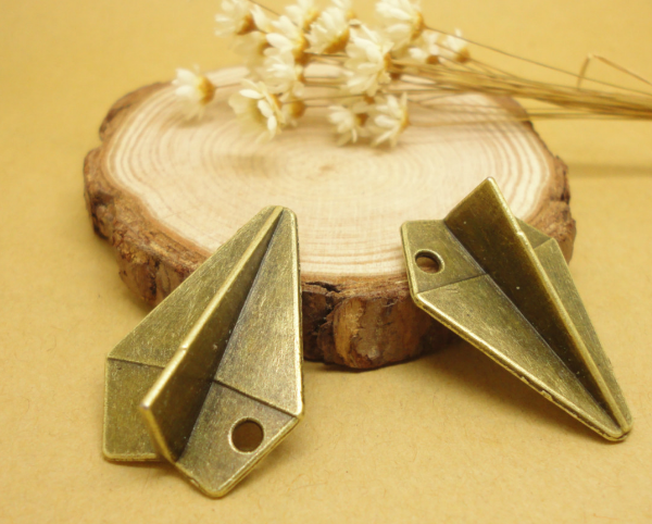 100pcs paper airplane fashion charms pendant bronze Jewelry Making earrings bracelet necklace keychain DIY accessories 31*21mm