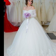 2015 Romantic Off Shoulder Arabic Long Sleeve Ball Gown Wedding Dress with Sheer Lace Appliques Bridal Vestido De Noiva