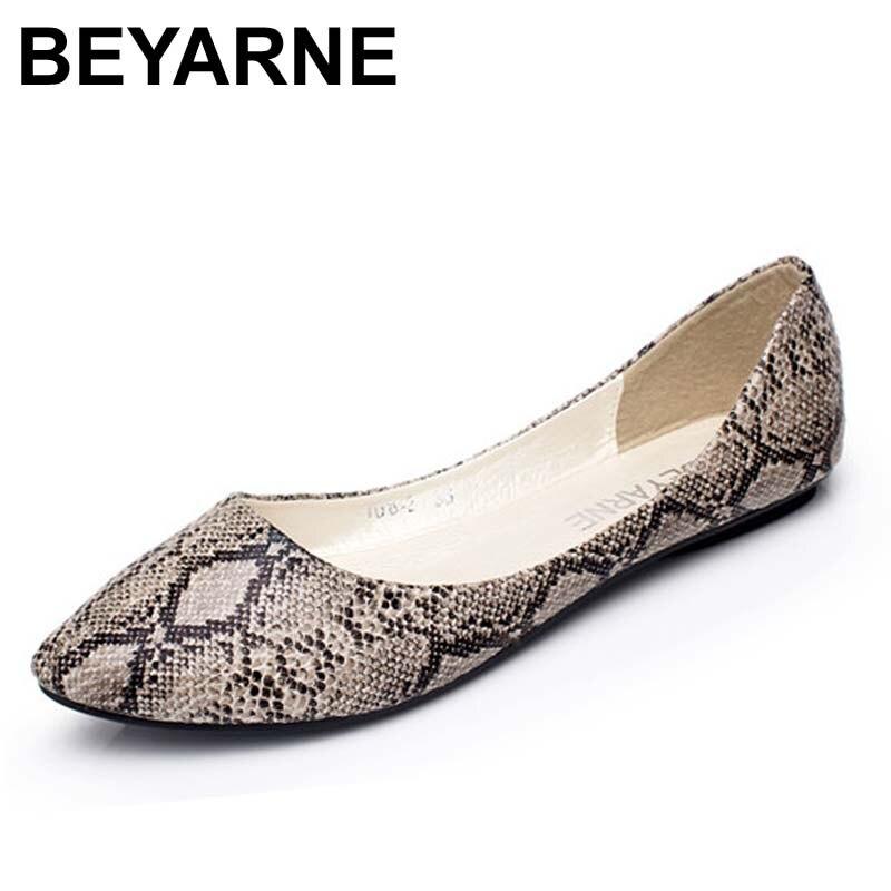 BEYARNE além size35-41 novas mulheres apartamentos moda padrão de pele de cobra sapatos baixos mulher sapatos casuais mulheres sapatos de barco