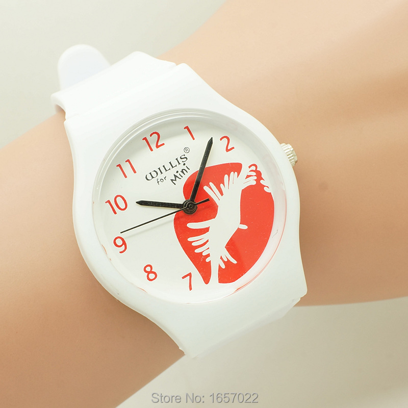 New Arrived Fashion Women Sex Lips Dial Quartz Wristwatch High Quarlity Student Mini Plastic Couple Waterproof Watch