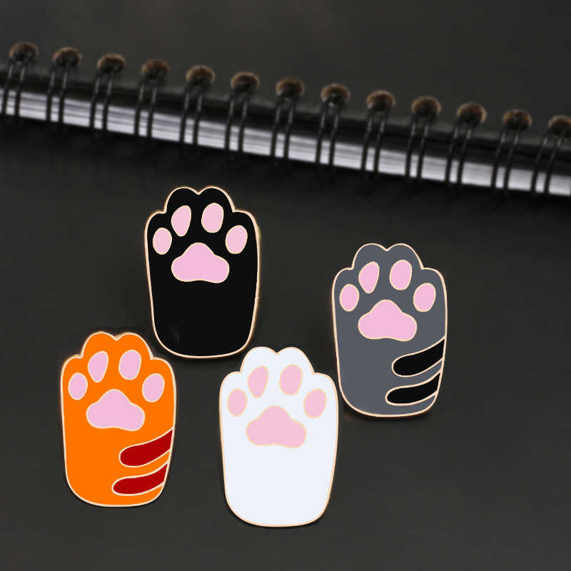 Creative Icon 4Colors Cat Claw Badge Enamel Brooches Kitty Paw Pin For Baby Women Bag Backpack Accessories Children Cute Jewelry