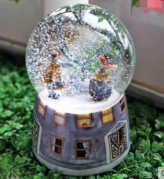 RONG-719+Crystal ball snow to send a girl friend girl seventh day creative birthday gift
